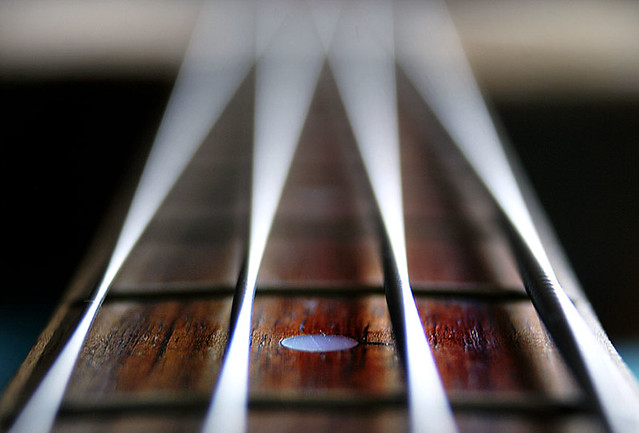 bass-strings-macro