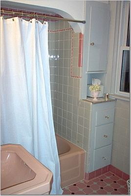 Pink vintage bathrooms - a gallery on Flickr