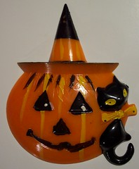 Vintage Halloween Hard Plastic Jack-O-Lantern and Cat Cake Topper  ------  Made in Hong Kong