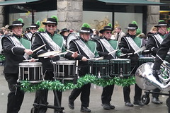 marching band(1.0), musician(1.0), musical ensemble(1.0), marching(1.0), person(1.0), saint patrick's day(1.0),