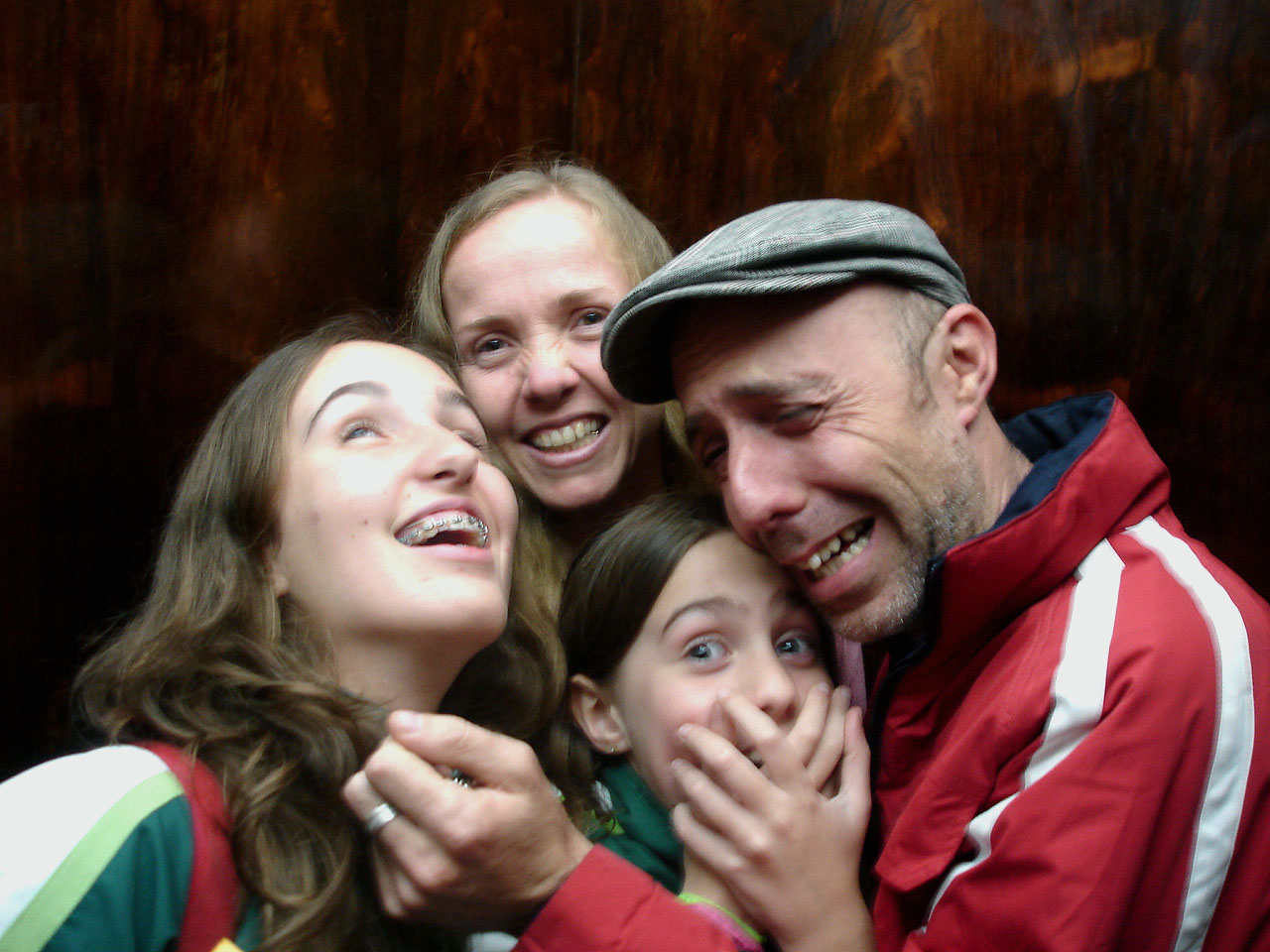 Photo:Family Portrait (in the elevator) By:Lili Vieira de Carvalho