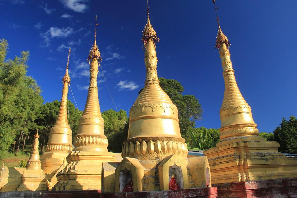 Pagoda, Kalaw to Inle Lake trek