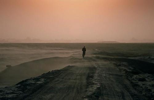 sea dry sandstorm kazakhstan ussr aralsea aralsk lpwater2