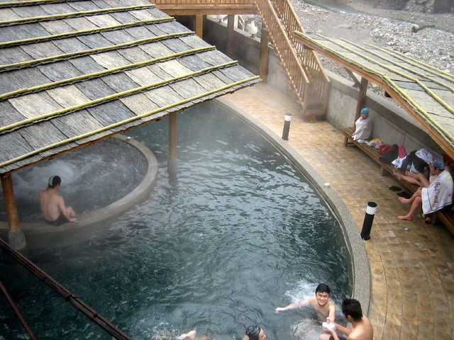 Guguan Hot Springs by CC user princeroy on Flickr