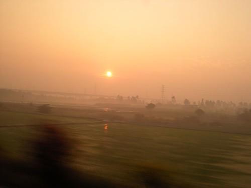 fog sunrise taiwan tainan 台灣 台南 tra 日出 台鐵 霧