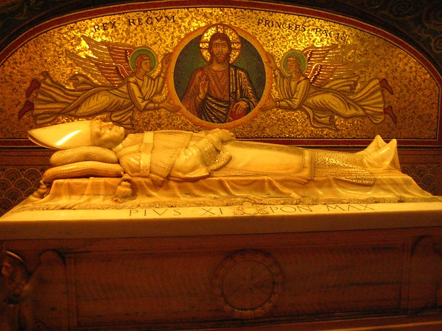 St Peter S Basilica Papal Crypt Flickr Photo Sharing