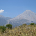 Nevado de Colima (left) and Volcan Fuego (right)