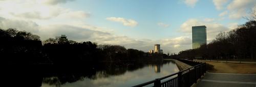 Panorama de Osaka (Castillo en la Izda.)