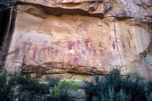 utah canyon thompson rockart pictograph sego segocanyon barriercanyonstyle nikoncoolscanived