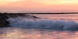 Afbeelding van Playa de Fañabe in de buurt van Playa de las Américas. pink sunset blur beach evening wave tenerife canaryislands hisgett