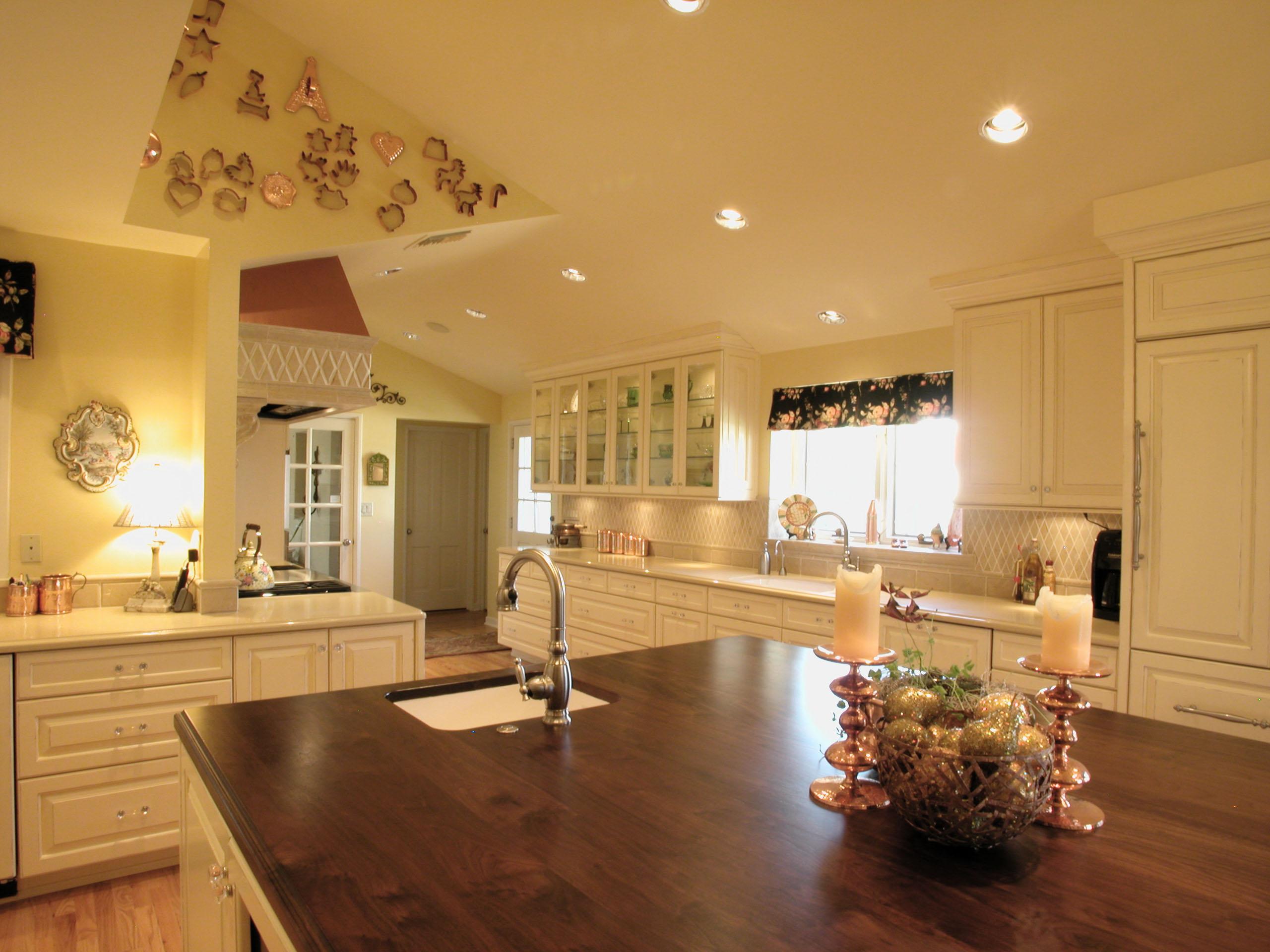 Kitchen White Perimeter Plain White Counter