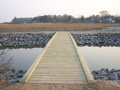wetland(0.0), winter(0.0), salt evaporation pond(0.0), track(0.0), walkway(0.0), reservoir(1.0), bridge(1.0),