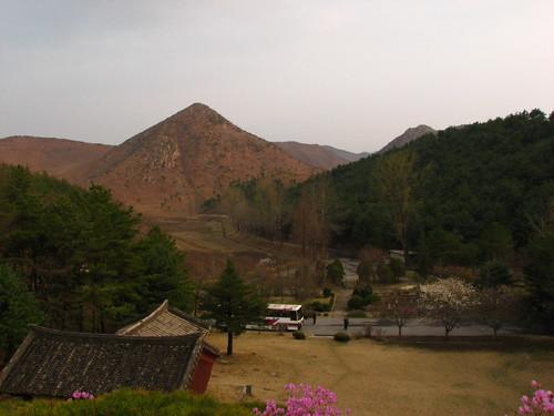 unfound rtw geotagged geotaggedbygoogleearth402722 trippermap dprk northkorea koreanorth tomb king kongmin kingkongmin geo:lat=37982328 geo:lon=126472844 top1000extras keep