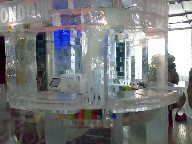 """Ледяной бар """"Ниже нуля"""" в Лондоне"""