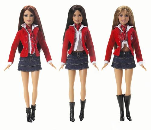 Tres muñecas Barbie iguales, pero con diferente color de pelo