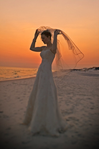 ocean wedding sunset portrait sky orange beach girl silhouette yellow bride seaside sand veil dress florida marriage weddingdress