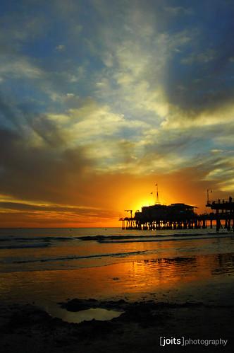 ocean sunset beach silhouette sand surf waves santamonica pacificocean straight santamonicapier santamonicabeach abigfave colorphotoaward impressedbeauty superbmasterpiece diamondclassphotographer flickrdiamond