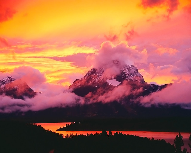 Snowy mountains sunset | Flickr - Photo Sharing!