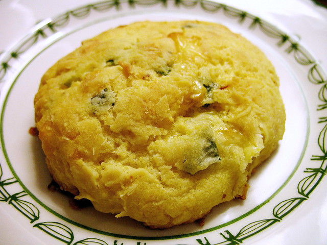 cornmeal, cheddar and green onion biscuit | The recipe is he ...