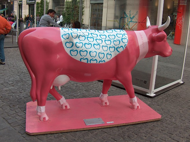 Cow parade 25 flickr photo sharing for Design parade milano
