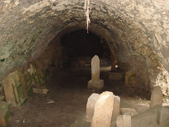 arch, ancient history, ruins, air-raid shelter, cave, crypt, tunnel,