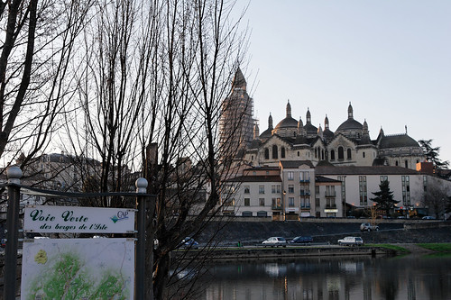 The Berges des l'Isle Coie Verte crosses Perigueux from east to west. Photo: Jerome