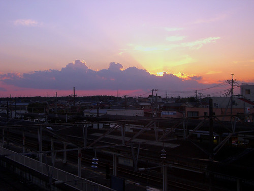 sunset sky sun station japan clouds digital colorful asia tl dusk october2005 trains casio nippon nihon eki kanto tsuchiura ibaraki arakawaoki october242005 october24 manganite date:year=2005 date:month=october