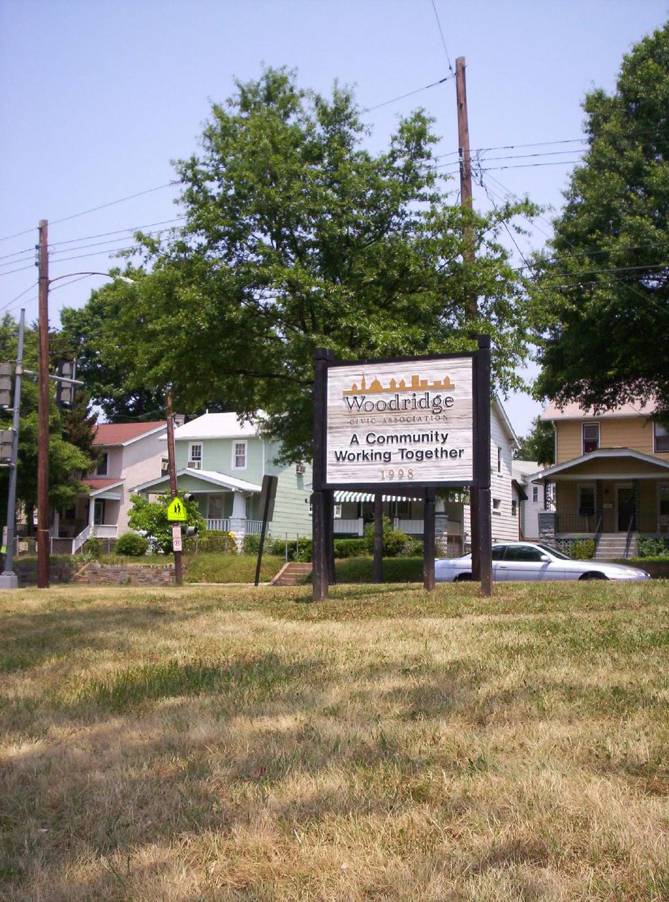 Woodridge Community gateway sign