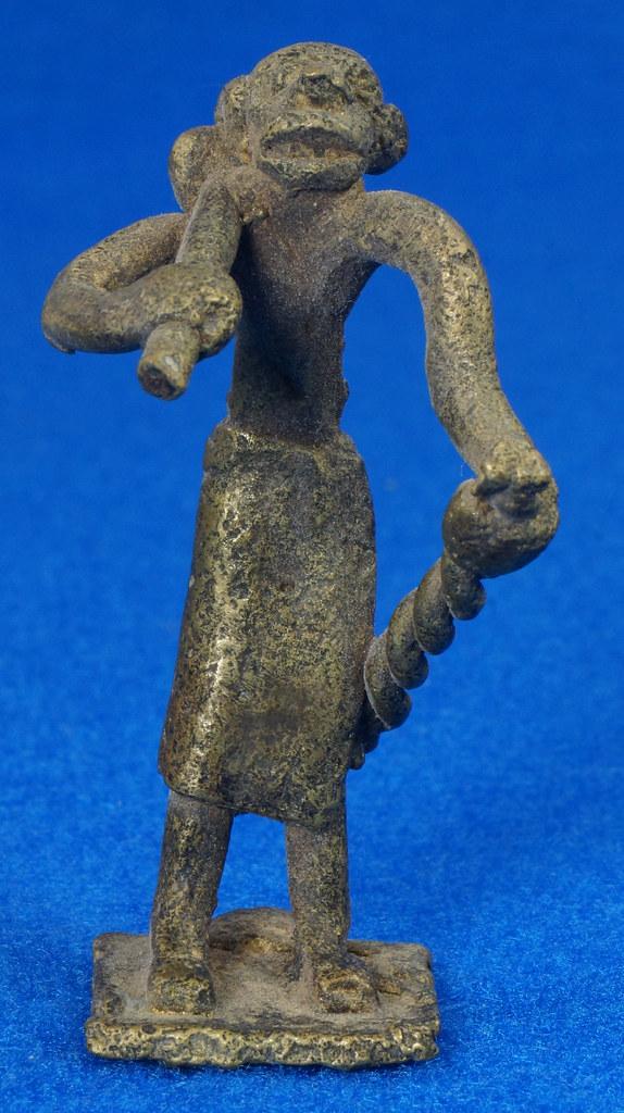 RD15105 4 Vintage African Hand Made Folk Art Primitive Figurines Solid Cast Brass Burkina Faso Yoruba West Africa DSC07121