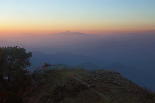 india mountain topv111 geotagged evening lowlight dusk availablelight indian himalayas himachalpradesh continuum anindo narkanda hatupeak hatutemple geo:lat=31243538 geo:lon=77501560 geo:long=77501560 anindoghosh
