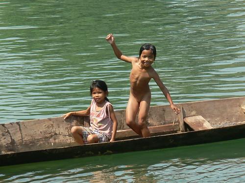 kids on the mekong