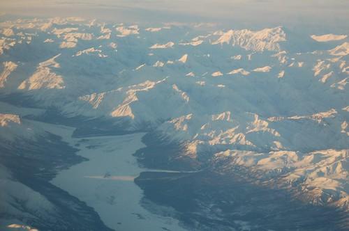mountain alaska plane view airlines range fairbanks