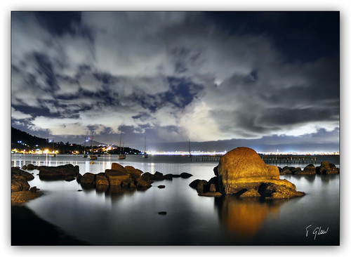 Sea, Rocks & LighTs