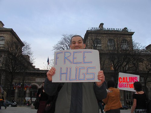 free_hugs_paris170207_075