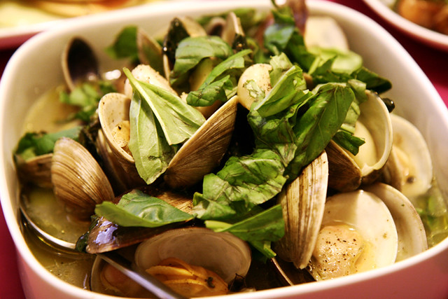 steamed clams with fresh basil | Flickr - Photo Sharing!