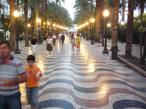 Alicante: Along the seafront
