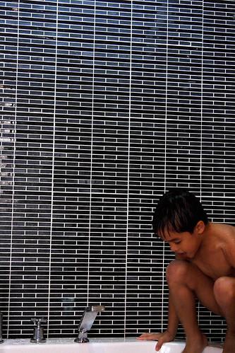 boy black cold water bath pattern philippines views bernie 500 2007
