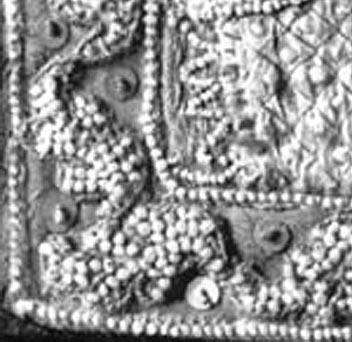 small-pearls-detail1.jpg
