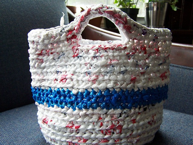 Plastic Bag Projects on Needlepointers.com - Crochet Department
