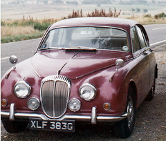 executive car(0.0), jaguar mark ix(0.0), bmw 501(0.0), bmw 503(0.0), jaguar xk150(0.0), convertible(0.0), automobile(1.0), daimler 250(1.0), jaguar mark 2(1.0), vehicle(1.0), jaguar mark 1(1.0), mitsuoka viewt(1.0), antique car(1.0), sedan(1.0), classic car(1.0), vintage car(1.0), land vehicle(1.0), luxury vehicle(1.0), jaguar s-type(1.0),