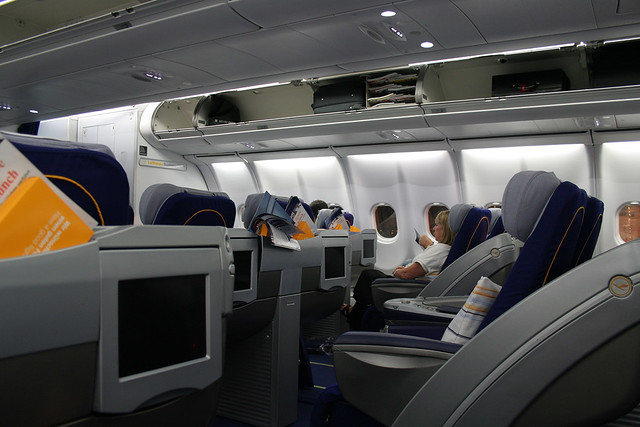 Lufthansa Business Class - A340-600 | Flickr - Photo Sharing!