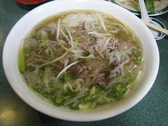 cellophane noodles(0.0), beef noodle soup(0.0), noodle(1.0), bãºn bã² huế(1.0), noodle soup(1.0), soto ayam(1.0), kuy teav(1.0), kalguksu(1.0), pho(1.0), food(1.0), dish(1.0), southeast asian food(1.0), soup(1.0), cuisine(1.0),