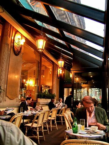 1000 images about les deux magots paris on pinterest pablo picasso paris cafe and de paris. Black Bedroom Furniture Sets. Home Design Ideas