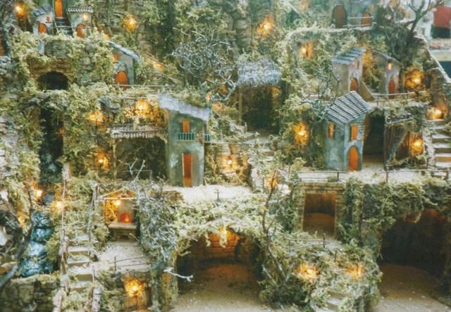 Presepi - Italian Christmas Decorations