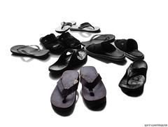 outdoor shoe(0.0), shoe(0.0), leather(0.0), footwear(1.0), sandal(1.0), font(1.0), flip-flops(1.0), black(1.0),