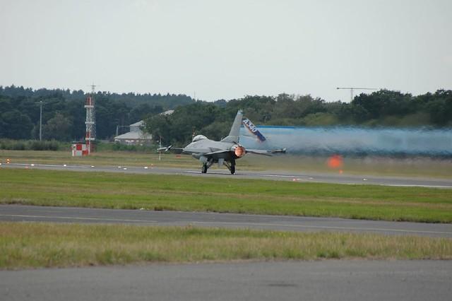 F16 takeoff   Full Afterburner!   Paul 666   Flickr