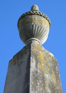 Image of Le Sueur (obelisk). sculpture jersey sthelier