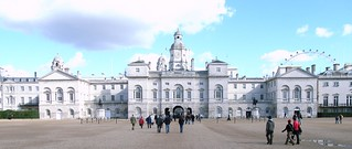 Immagine di Horse Guards. uk england london westminster stone architecture publicspace army unitedkingdom britain military tourists architect civic georgian guards britisharmy whitehall 18thcentury themall horseguards c18 palladian williamkent eighteenthcentury johnvardy