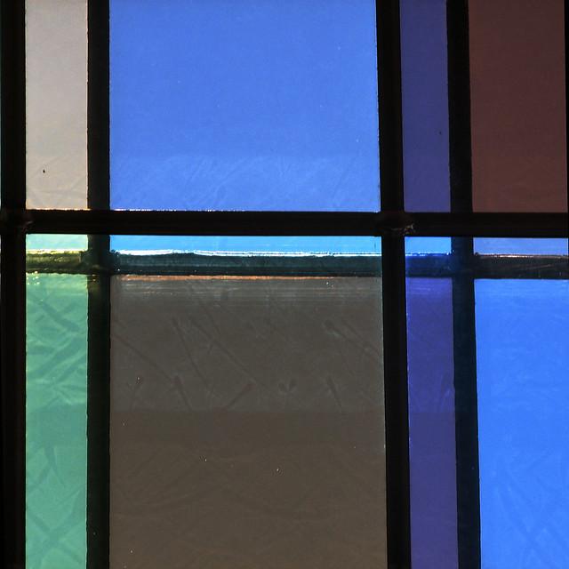 Mondrian's DisSymmetry