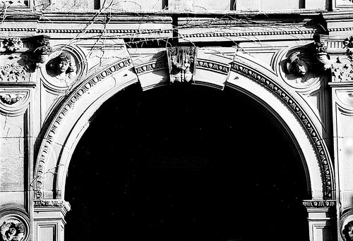 Detail: Arch, William Livingstone House--Detroit MI